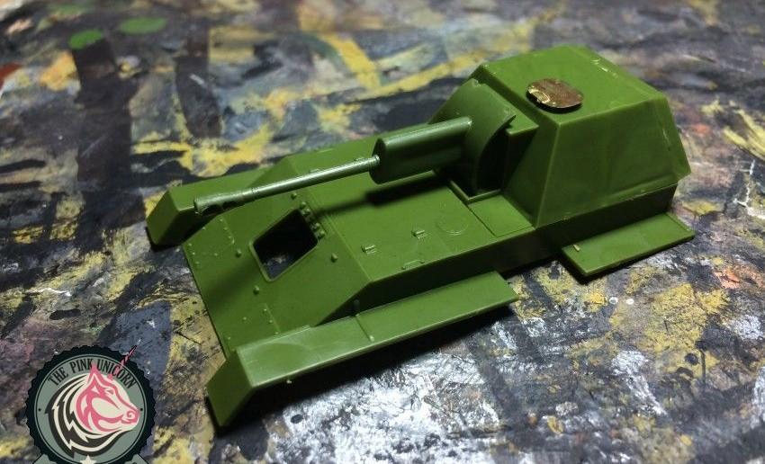 Der Aufbau der SU-76 ist ebenfalls schnell montiert. Wobei: ganz so einfach wie es erscheint, war es nicht. Erste Fotoätz-Teile wurden auch schon angebracht.