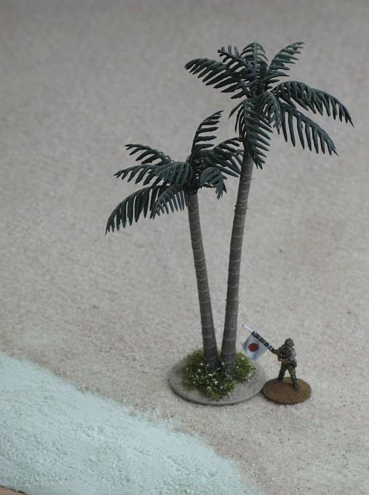 Palme am Strand von Wake Island: mit japanischem Infanteristen