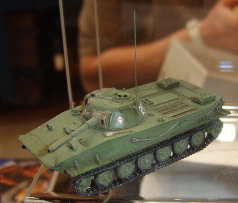Leichter Schwimmpanzer PT-76 der NVA