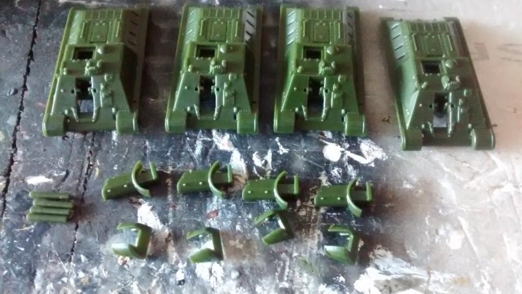 Die Wumme der SU-122 wird genau so easy montiert, wie die bisherigen Teile.
