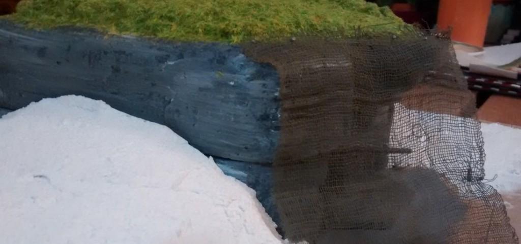 Hier die mit mehreren Durchgängen colorierte Betonoberfläche des Regelbau M 272