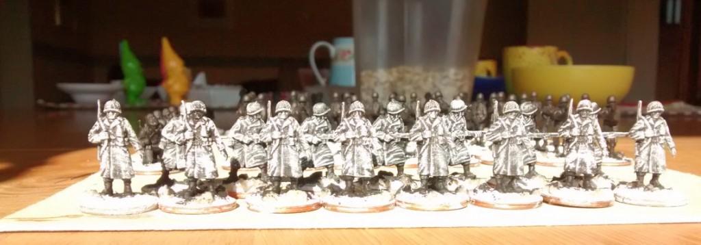 Vorm Frühstück: 15 GIs weiß trockengebürstet für die 99th Infantry Division