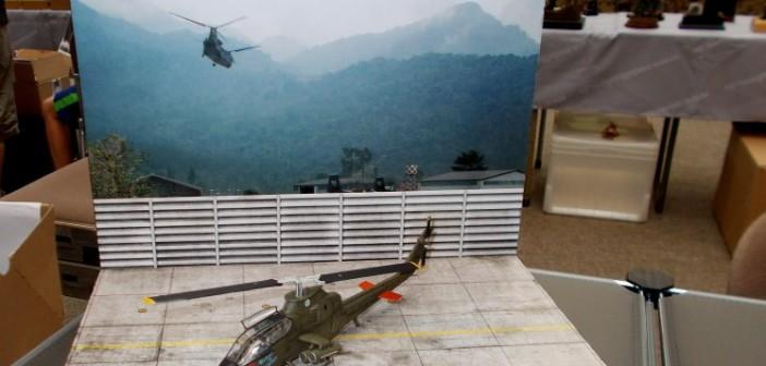 Ein Kampfhubschrauber der US-Army: die AH-1G Cobra auf einem Feldflugplatz im Vietnam-Einsatz