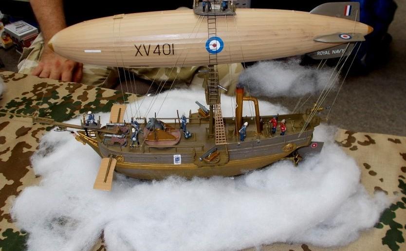 Hier konnten sich die Konstrukteure nicht zwischen Luftschiff, U-Boot und Dschunke entscheiden. Es hat aber was, das Multifunktionsgerät der frühen Royal Air Force.