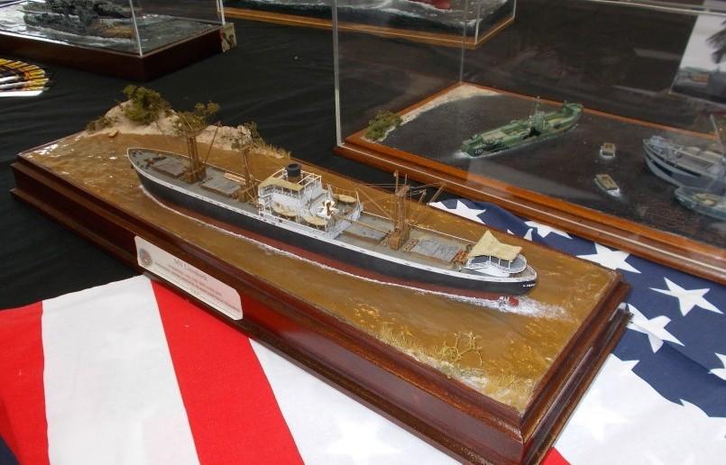 Diorama mit Frachtschiff