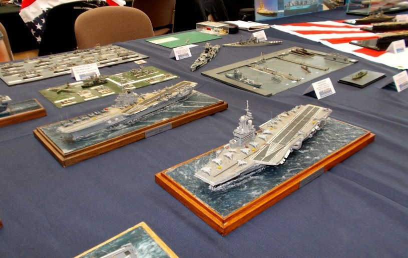 Der Stand von modellmarine.de hat natürlich einen maritimen Themenschwerpunkt. Hier sind es Schiffe der US-Navy.
