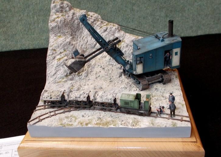 Diorama: Eine Feldbahn  im Steinbruch.