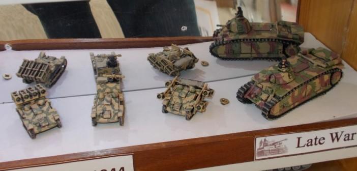 Late War Fahrzeuge in der Normandie 1944