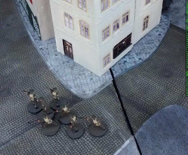 Sergeant Bolter und seine Truppe greifen ein.