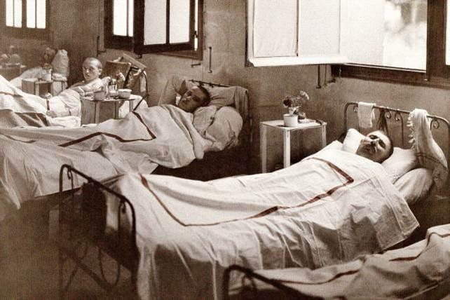 Auf dem Gefechtsfeld verwundete Soldaten genesen im Krankenhaus Saint Paul in Soissons