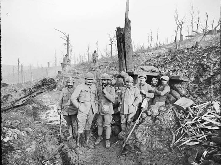 Grabenhütte bei Rousse, nahe Verdun. März 1917.