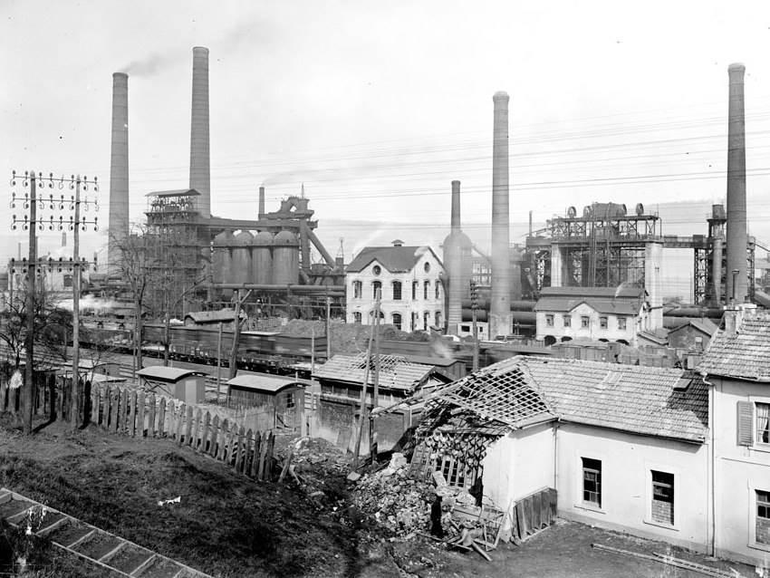 Fabrik bei Pompey an der Front von Nancy. April 1917.