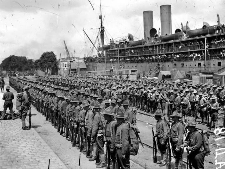 Ankunft amerikanischer Truppen in St. Nazaire. Juni 1917.