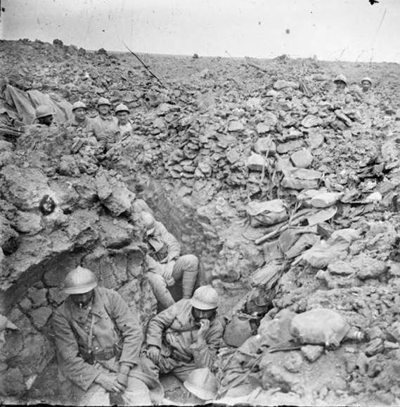 Nach dem Angriff auf die Höhe 304, nahe Verdun. Juli 1917.