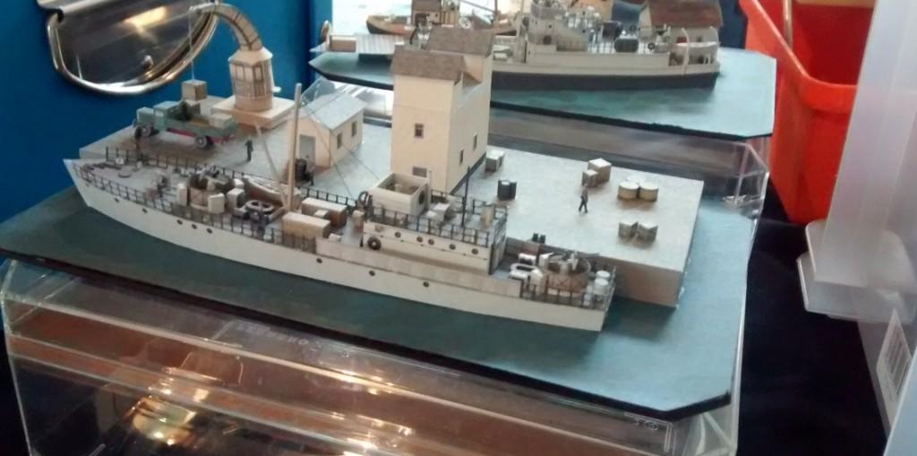 Papiermodell / Kartonmodell verschiedener Schiffe
