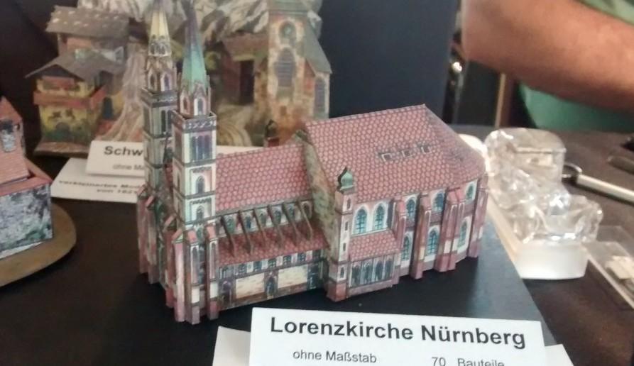 Papiermodell / Kartonmodell der Lorenzkirche Nürnberg