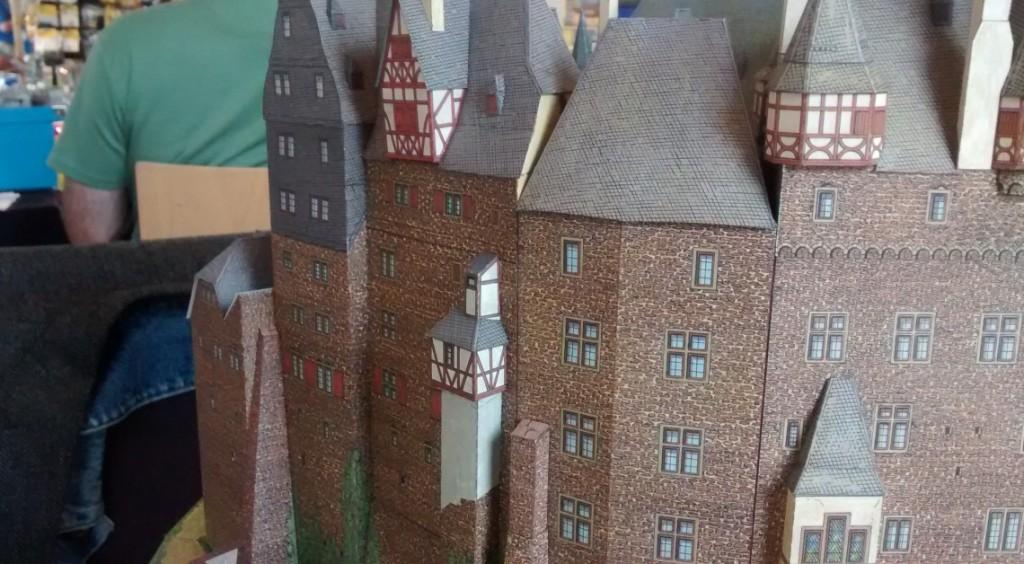Papiermodell / Kartonmodell der Burg Eltz