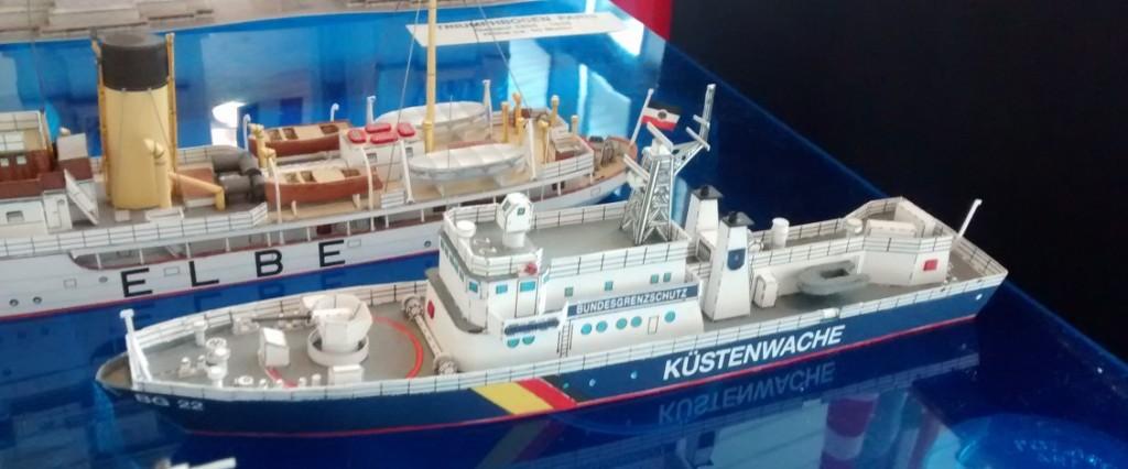 Papiermodelle / Kartonmodelle: Ein Schiff der Küstenwache