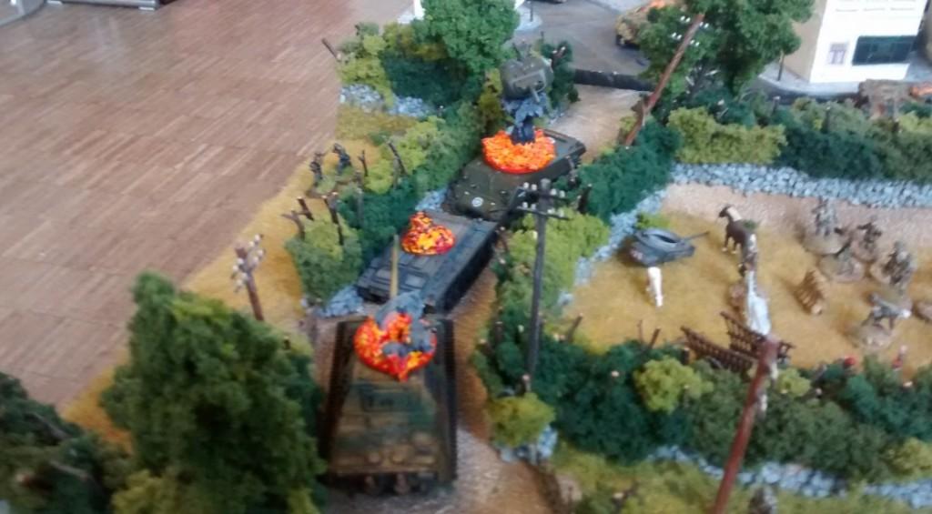 Bisweilen gab es dann auf den Wegen üble Gemetzel. Panzertürme wirbelten duch die Luft, wenn die Spieler ihre Salven abfeuerten.