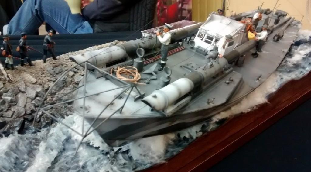 "Diorama ""Operation Chariot"" mit dem Vosper MBT 74"