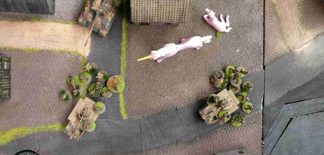 Auf deutscher Seite bewegt sich das feuerstarke Trio Richtung Fluss. ( Behind Omaha. Forum / Spielbericht )
