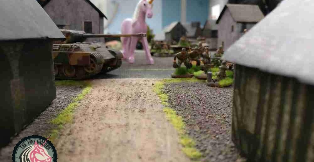 Unterstützung kommt natürlich auch vom rosa Einhorn... ( Behind Omaha. Forum / Spielbericht )