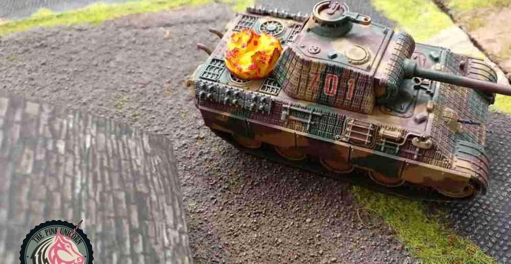 Der Panzerjäger am Vebindungssteg hat doch atsächlich dem Panther einen Treffer verplätten können. Da hat der Sturmi nicht aufgepasst und den Panther zu weit vorgezogen. Na warte, Bürscherl... ( Behind Omaha. Forum / Spielbericht )
