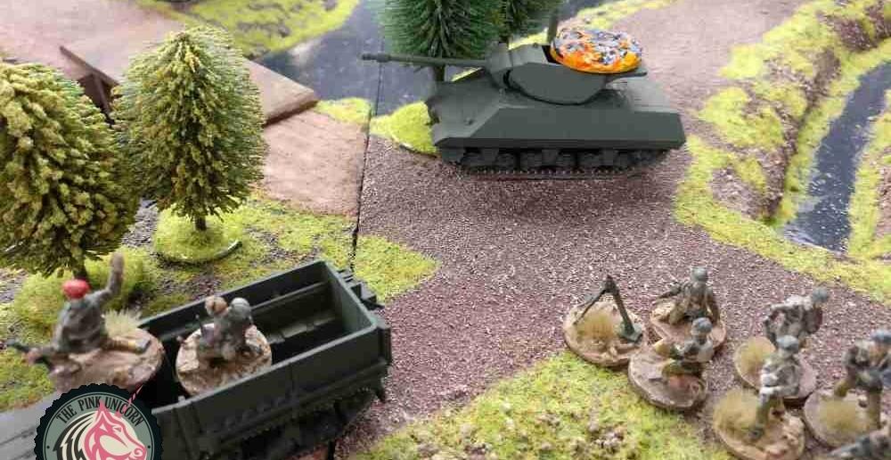 Auch der Jagdpanzer kriegt ne Pizza. Sturmi schmunzelt. ( Behind Omaha. Forum / Spielbericht )