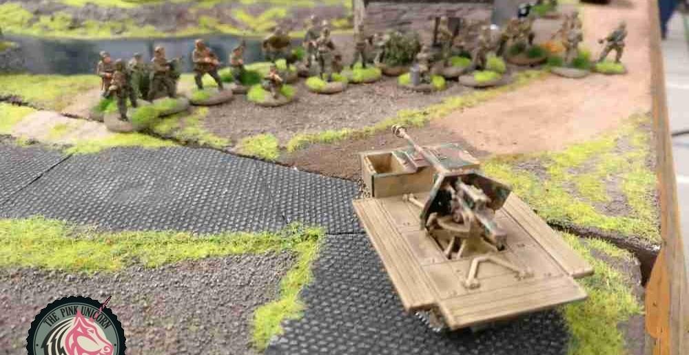 Der zweite RSO zieht auch zurück, will der dem britischen Jagdpanzer doch kein Ziel bieten. ( Behind Omaha. Forum / Spielbericht )