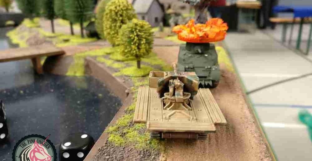 Der RSO geht gleich den Trupp Briten am M5 Halftrack an. ( Behind Omaha. Forum / Spielbericht )