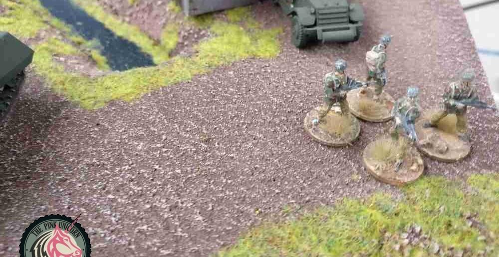 Der RSO hatte am Verbindungssteg ganz gut bei den Briten aufgeräumt. Der linke Britenflügel ist nahezu aufgerieben. ( Behind Omaha. Forum / Spielbericht )