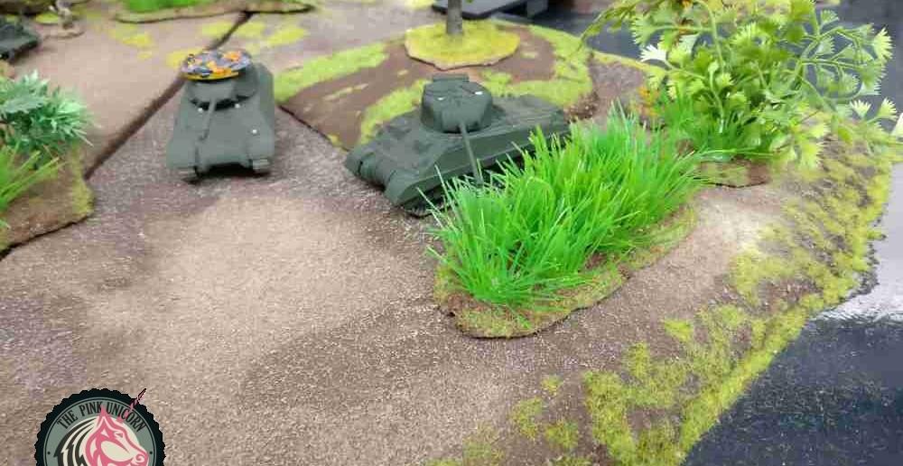 Der M4 Sherman Firefly kehrt von seiner Privatfehde zurück und greift ein. ( Behind Omaha. Forum / Spielbericht )