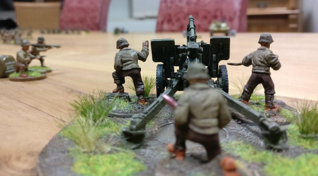 Die 105mm-Howitzer der US Army. Das Bolt Action Teil wird es sicher auch bald in 20mm für den Sturmi geben.