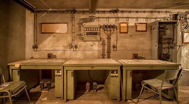 Diese Dienststelle hatte die Aufgabe, den fahrplanmäßigen Verkehr im bahnhof aufrecht zu erhalten. Der ordnungsgemmäße Fahrbetrieb auch zu Zeiten von Luftangriffen war der ursprüngliche Grund für den Bau der Bunkeranlage gewesen.