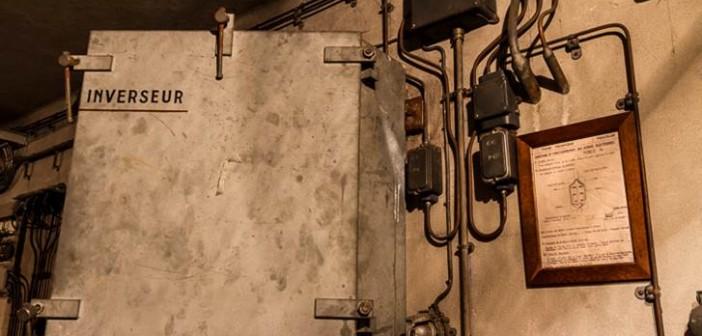 Leitungen zu den Gleisen, die von hier aus gesteuert werden sollten.
