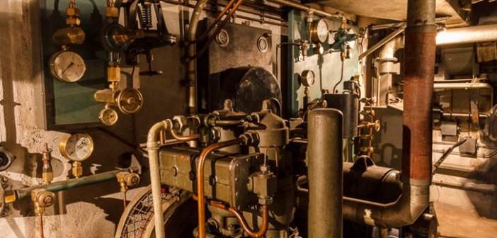 Hier sieht man die Stromgeneratoren in Maschinenraum der Bunker unter dem Gare de l'Est in Paris.