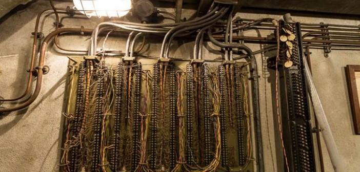 Der Schaltkasten der elektrischen Verteileranlage im Bunker unter dem Gare de l'Est.