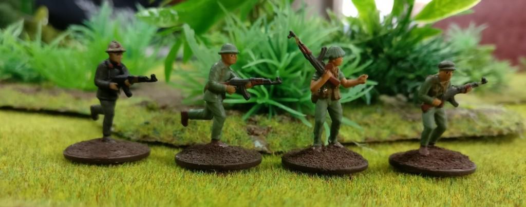 "4 Schützen der Armee Nordvietnams NVA in Doncolors Projekt ""Vietnam 69""."