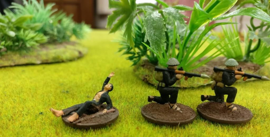 "2 RPG-Schützen des Viet Cong in Doncolors Projekt ""Vietnam 69""."