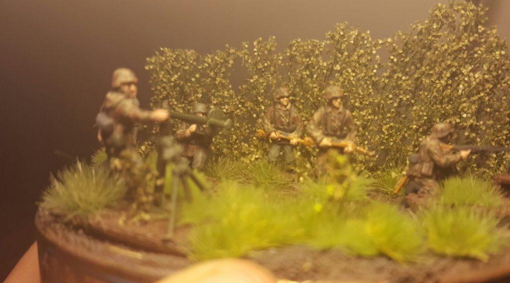 Hier nochmal der andere Blickwinkel auf die Panzergrenadieere von Oberst Klink.