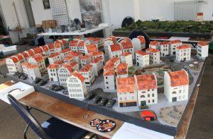 """Der Behind Omaha Spieltisch """"Eroberung der Stadt Saint-Aubin, Normandie, Juno-Beach 1944"""" in der Totalen"""