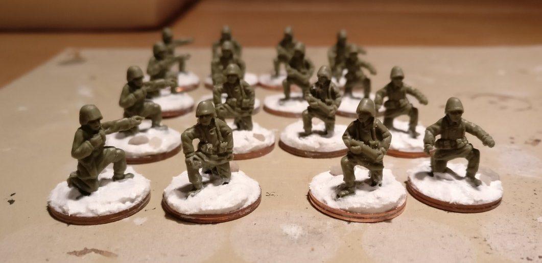 Die Bedienmannschaften für Panzerschmidts IG18-Batterie. Zumindest schomma gebased.
