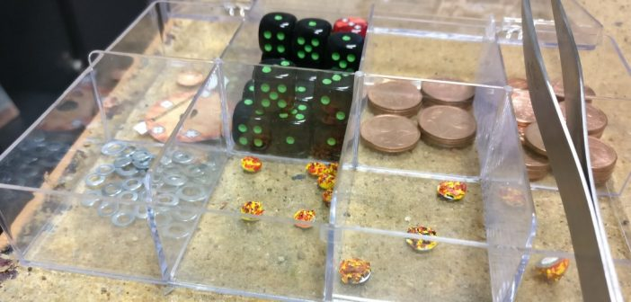 Auch das Spielzubehör wie hier die Treffermarker sind in 6mm Größe etwas handlicher.