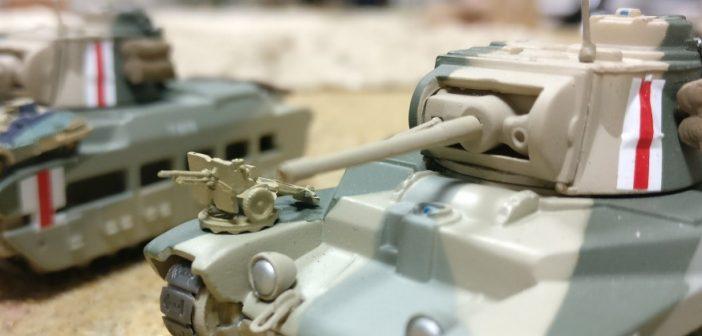 Die Ordnance QF 25 Pounder hat auf dem Matilda II locker Platz.