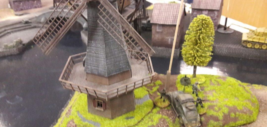 """Hier eine der frischgebackenen Windmühlen auf Doncolors Spielplatte """"Die Schelde""""."""