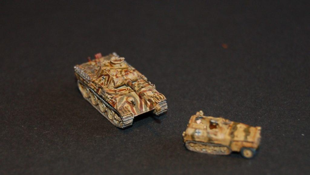 Ein Panzer V Panther mit ein Sd.Kfz-250/1 in 6mm / 1:285.