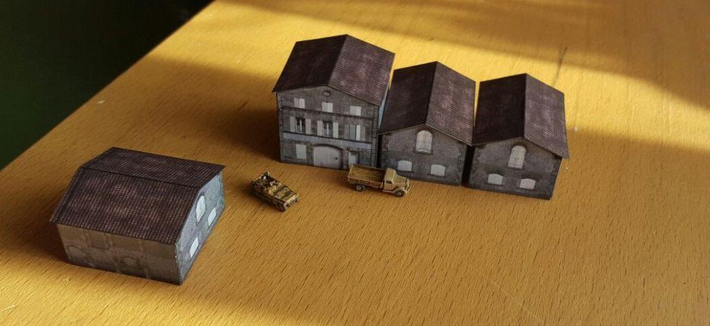 Die gerade fertig gewordenen Hallen und Gebäude der Fabrikanlage im Maßstab 1:285 (6mm)