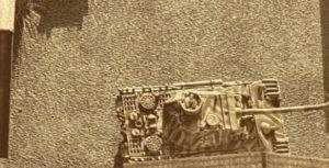 Hier der Panzer V Panther von GHQ auf dem Werksgelände der kleinen Fabrikanlage im Maßstab 1:285 (6mm)