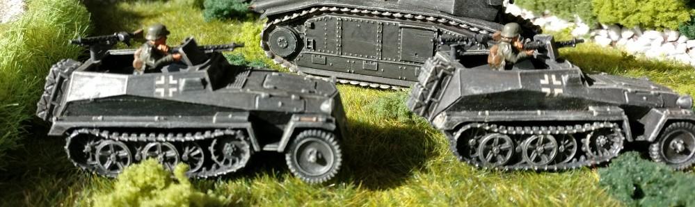Hier nochmal die zwei Sd.Kfz.250/1 der Panzer-Aufklärungs-Abteilung 26