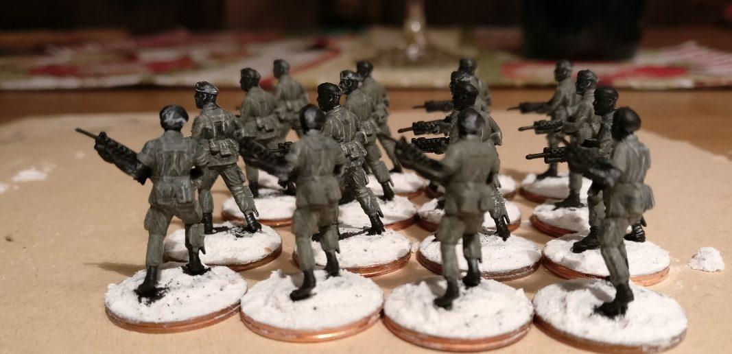 Die sechzehn Offiziere des 7th Marine Regiment nach Auftrag der grünen Uniformfarbe.